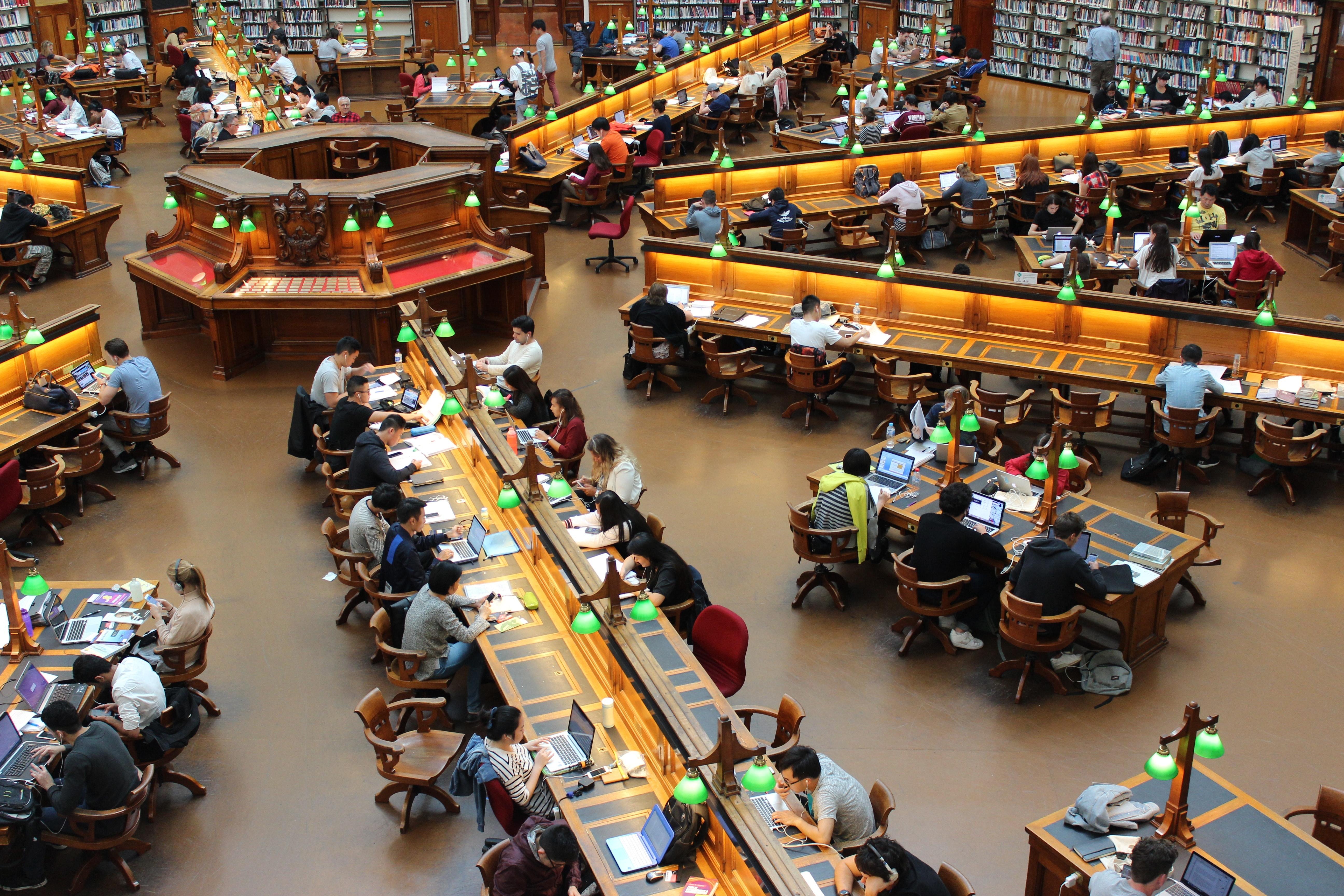 高校生におすすめの勉強場所:図書館